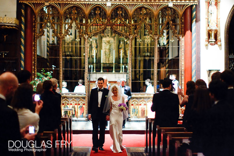 wedding photograph of the couple at st Paul's Knightsbridge in London