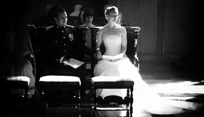 Cressida & Alex's Wedding Photographs at St Bride's in Fleet Street & the Honourable Artillery Company (HAC), London 1