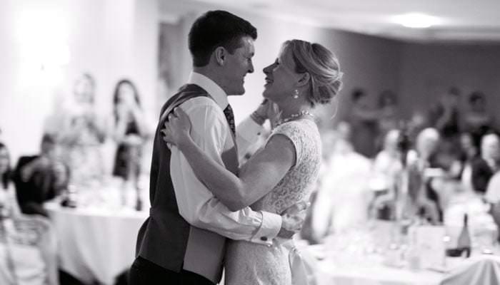 Sarah and Matt's Wedding Photographed at Fareham and Hook 9