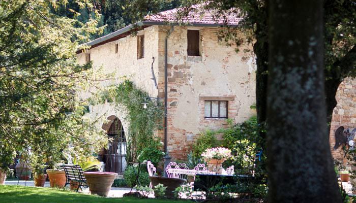 Wedding photograph the Villa in Tuscany, Italy