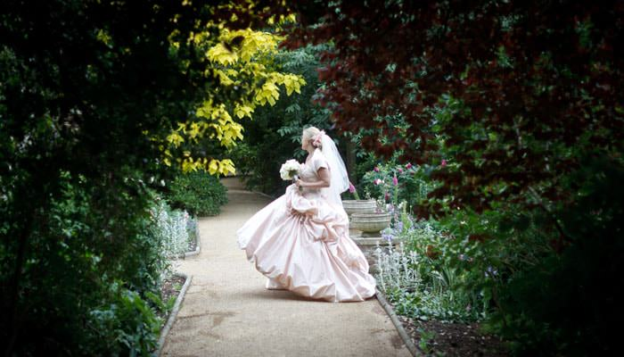 Wedding Photograph - Bride at Hurlingham Club, Fulham, London