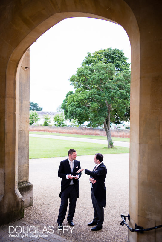 Wedding photographer Syon Park - groom preparing for wedding