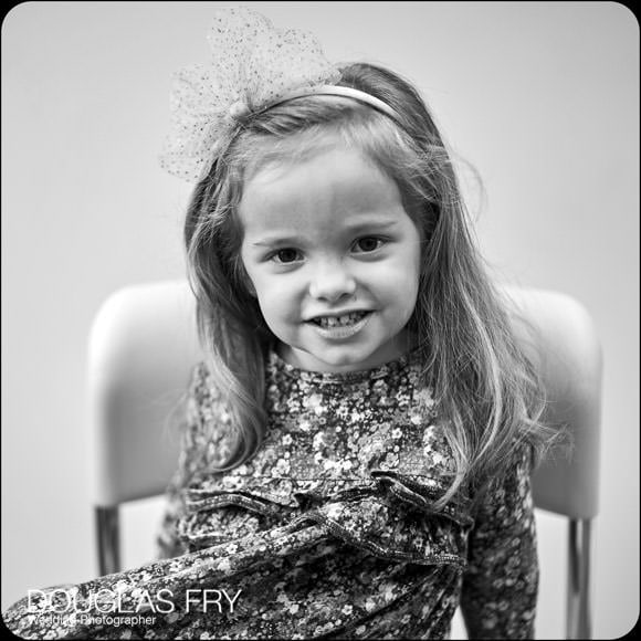 Little girl photographed during family photo shoot in Oxford